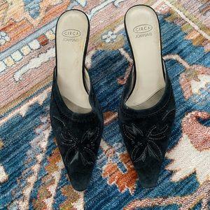 Joan&David 8 kitten heel pointed toe black shoes